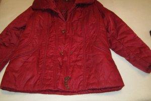 Rote Winterjacke von Bonita