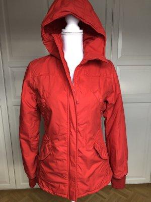 Rote Winterjacke von H&M