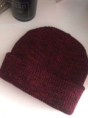 rote Wintermütze