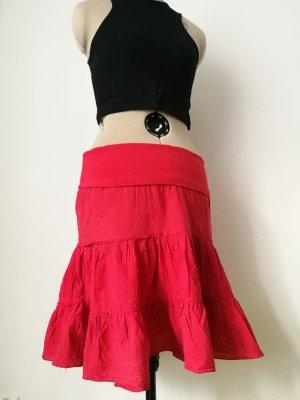 Roter Baumwoll-Sommerrock