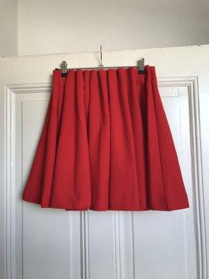 Roter Faltenrock von H&M Trend