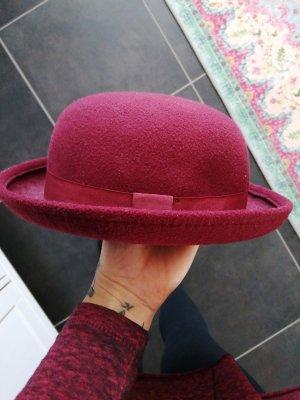 Sombrero de tela burdeos