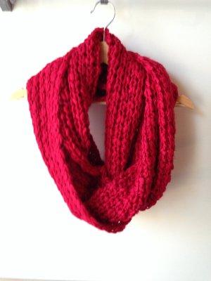 Roter Loopschal von Vero Moda #strick #cozy