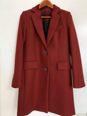 Roter Mantel Zara