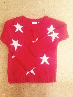 Roter Pulli mit weißen Sternen