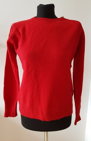 Roter Pullover aus Merinowolle