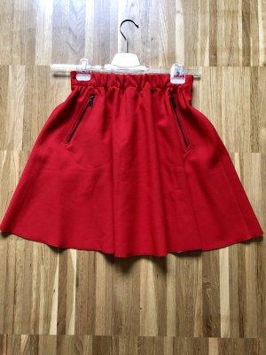 Roter Rock von Zara