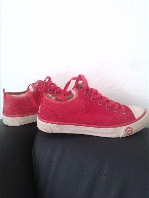 Roter Sneaker von UGG