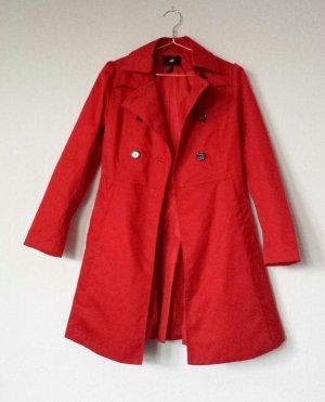 Roter Sommermantel im Trenchcoat Stil halblang
