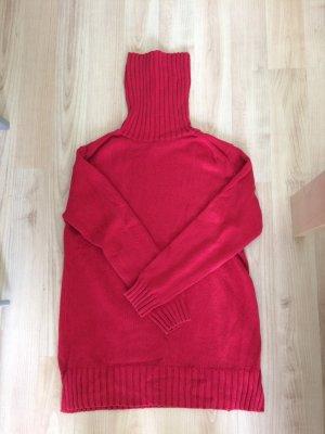 Roter Strickpullover mit Rollkragen von Esprit