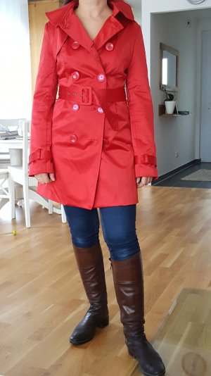 Roter Trenchcoat innen und aussen aus seidigem Stoff -wie neu-
