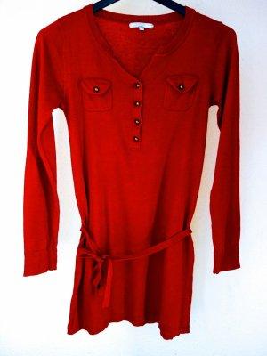 Roter Wollpullover Longpullover mit Zierknöpfen und Taillenband