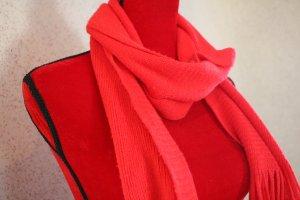Roter Wollschal von Tally Weijl