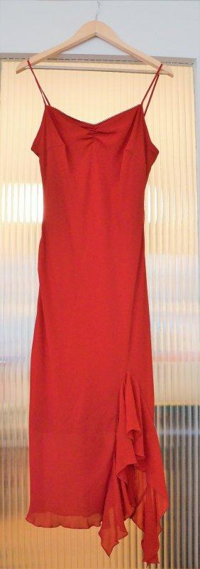 rotes Abendkleid im Flamenco-Look