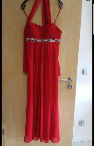 rotes Abendkleid mit Stola