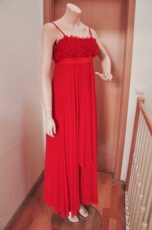 Rotes Abendkleid von APART