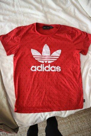 Rotes Adidas T-Shirt