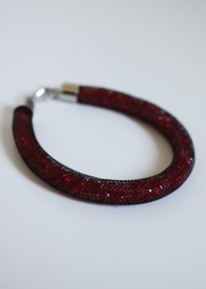 rotes Armband gefüllt mit Strasssteinen Neu