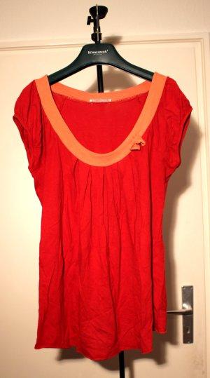 Rotes Babydollshirt mit Schleifenapplikation