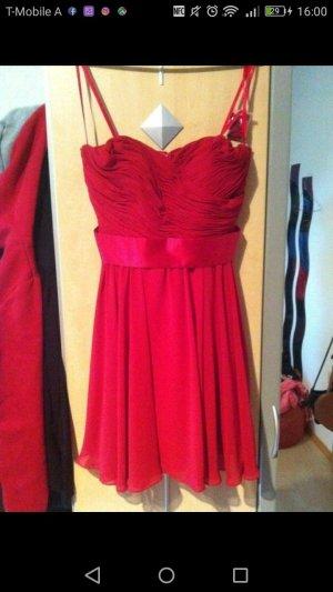 Rotes Ballkleid/Hochzeitskleid