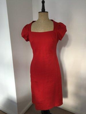 Rotes Baumwollkleid des Berliner Designlabel LIEBIG