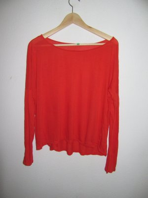 rotes Benetton T-Shirt