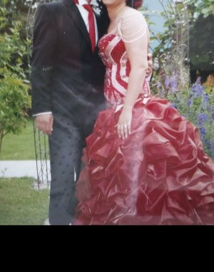 Rotes Brautkleid wie in 1001 Nacht