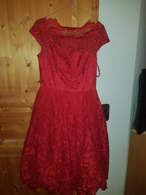 Rotes Chi Chi London Kleid