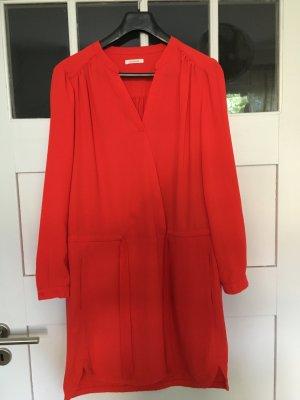 Rotes Hemdblusenkleid