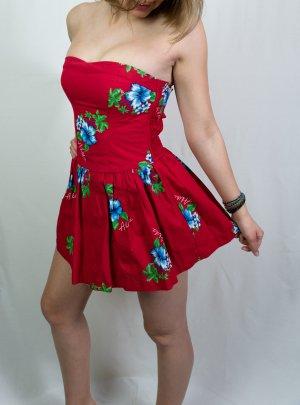 Rotes Hollister Sommerkleid