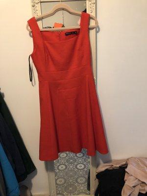 Rotes Karen Millen Kleid