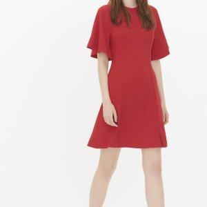 Rotes Kleid mit Fledermausärmeln von Sandro