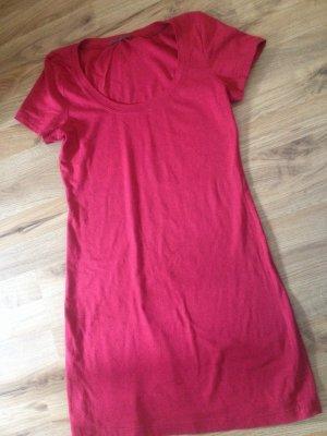 rotes Kleid von Consequent