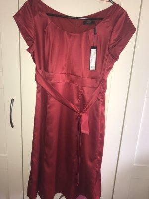 Rotes Kleid von Esprit