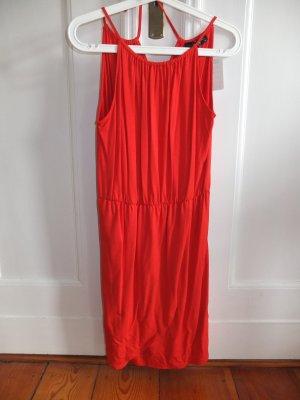 Rotes Kleid von Hallhuber