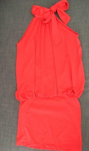 rotes Kleid von Laura Scott