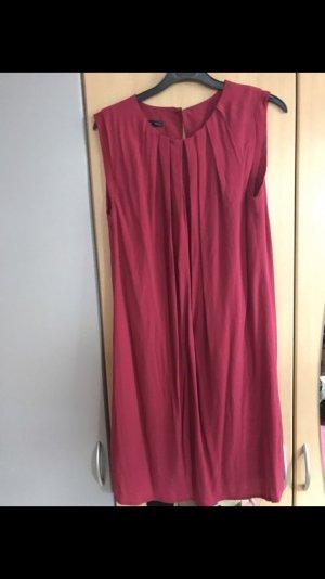 Rotes Kleid von Mango