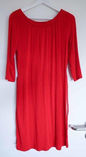 Rotes Knielanges Kleid