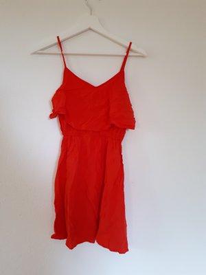 rotes kurzes lockeres kleid
