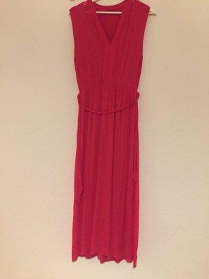 Rotes, langes Sommerkleid