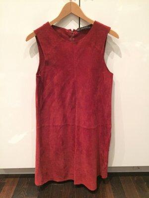 Rotes Lederkleid von Zara
