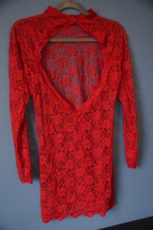*Rotes Nachtkleidchen von Hunkemöller mit freiem Rücken**
