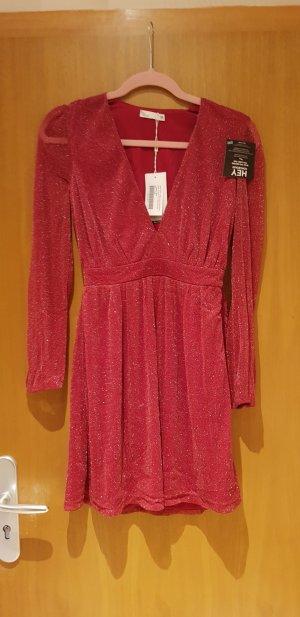 rotes neue Kleid