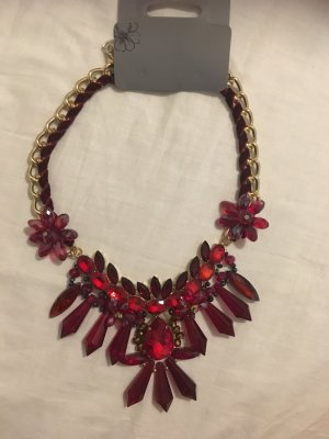 Rotes, neues Collier