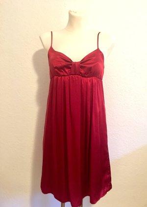 Rotes Seidenkleid von NafNaf