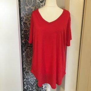 T-shirt col en V rouge