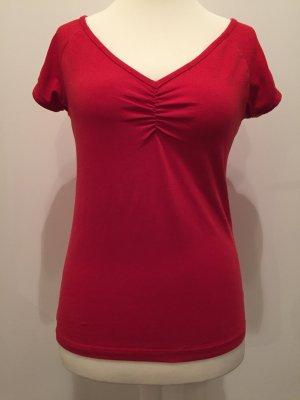 Rotes Shirt mit V-Ausschnitt - Gr. M