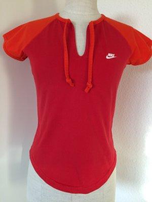 Rotes Shirt von Nike