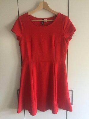 Rotes Sommerkleid knielang
