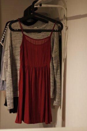 Rotes Sommerkleid mit Reißverschluss